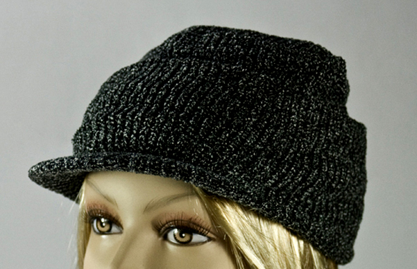 Black Visor Thick Winter Knit Cap With Cuff [1piece]