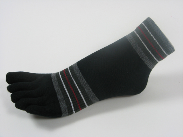 Black ankle toe socks striped w gray olive green