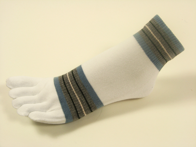 White ankle toe socks striped w steel blue gray