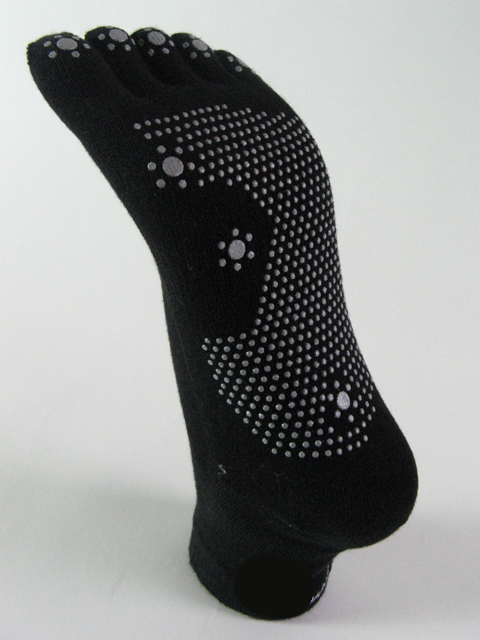 Black yoga non skid toe socks