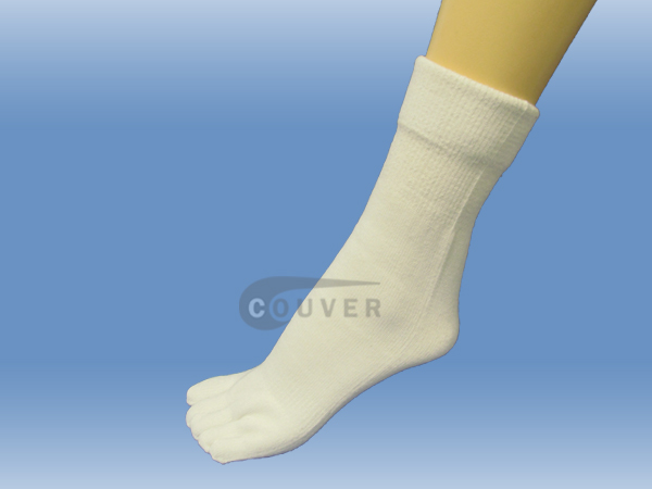 White Couver 5 Fingers Toed Thick Toe Socks Quarter Wholesale, 6PRS