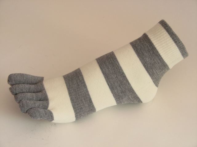 Gray white striped COUVER Cute Ankle Toe Toe Socks, 6Pairs